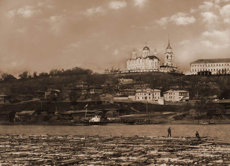 Город Владимир и река Клязьма