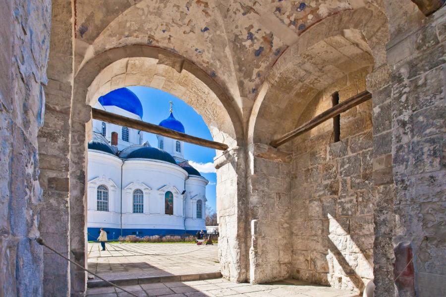 Свято-Боголюбский монастырь. Фотограф - Владимир д'Ар 02