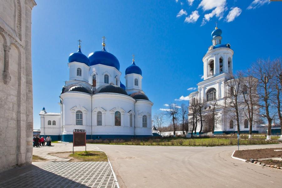 Свято-Боголюбский монастырь. Фотограф - Владимир д'Ар 03