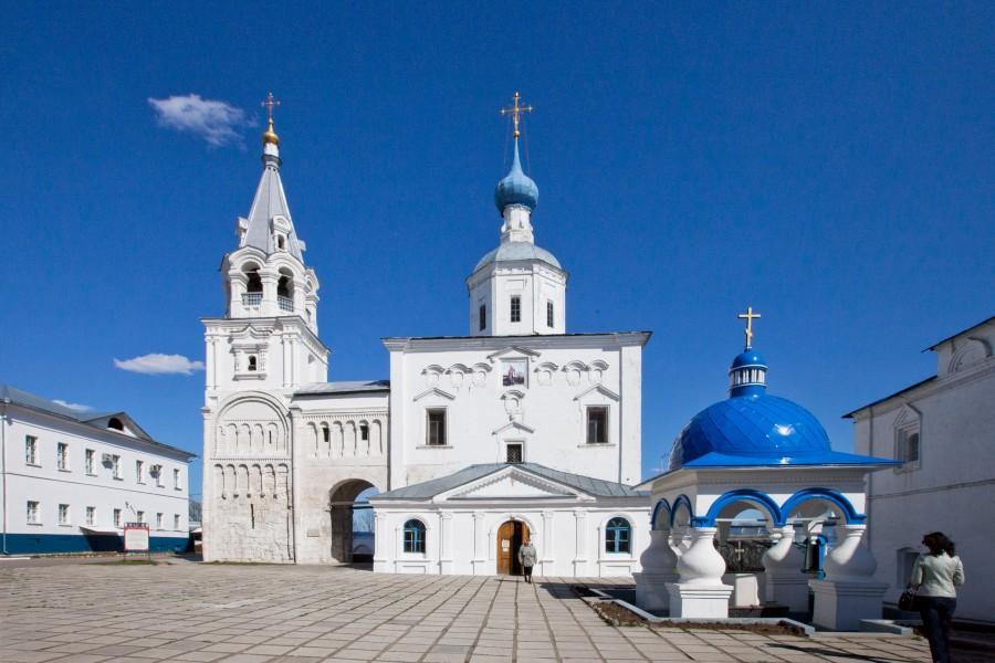 Свято-Боголюбский монастырь. Фотограф - Владимир д'Ар 04
