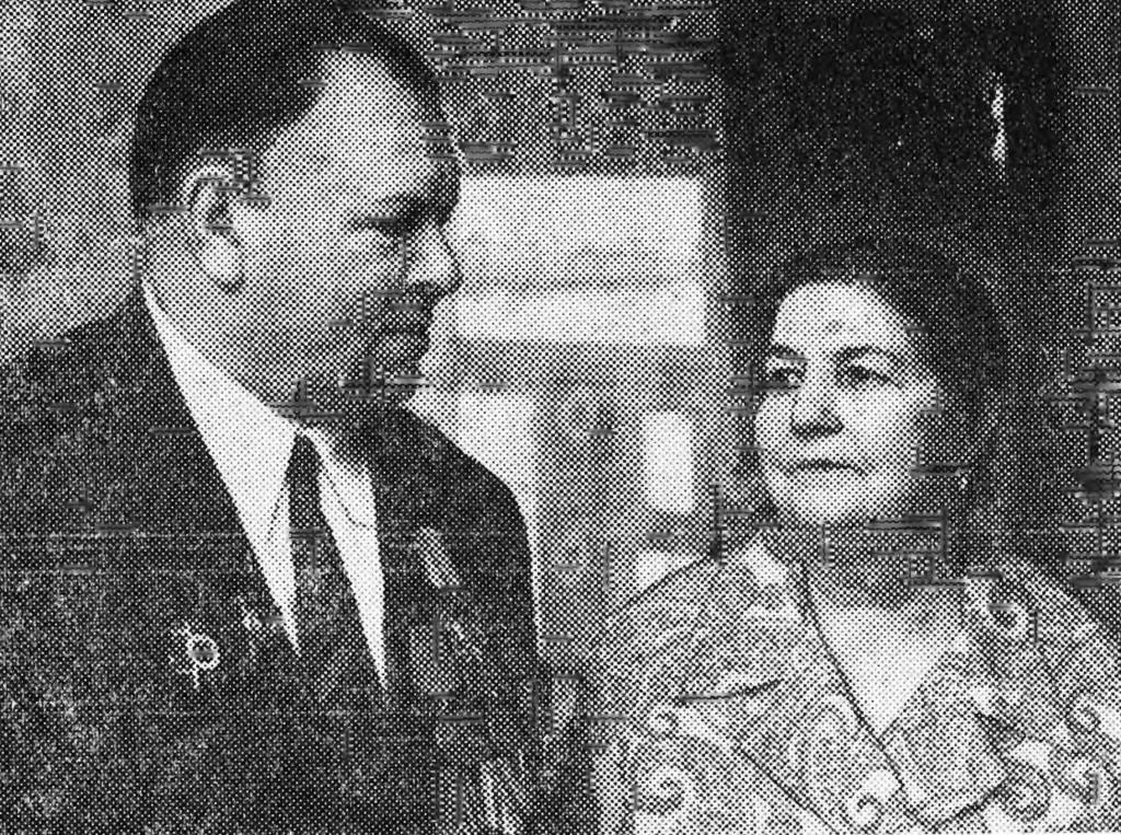 Супруги Н.Н. И Н.И. Воронины, отметившие золотую свадьбу